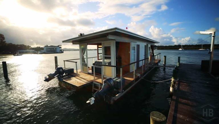 Hausboot Bau Home1-min